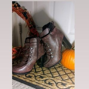 torrid Shoes - Burgendy Boots